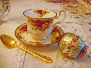 A Romance Renaissance tea for the ladies