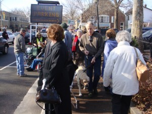 Middleburg dogs have their people bring them to see the fox-hunter hounds at the annual Christmas parade.